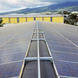 Système rail antichute horizontal ALTIRAIL sur panneaux photovoltaïques