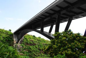 Ligne de vie inclinée COMBILIGNE sur le pont de La Ravine Fontaine